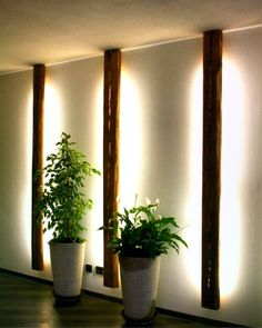 #Lampe aus #Altholz sorgt für indirektes Licht. Beso ... #altholz #aus #Beso #für #indirektes #lampe #licht #sorgt Hallway Lighting, Event Lighting, Lighting Ideas, Wood Projects, Woodworking Projects, Landscape Lighting Design, Old Wood, Living Room Decor, Indoor