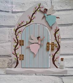 Beautifully handpainted fairy by MakingDreamsForYou on Etsy Vine inspiration Diy Fairy Door, Fairy Doors, Art Therapy Projects, Fairy Tree, Fairy Crafts, Miniature Fairy Gardens, Fairy Land, Tooth Fairy, Fairy Houses