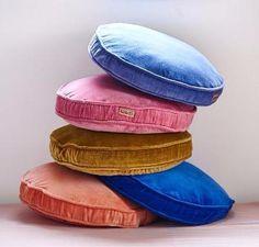 Velvet pea cushion - marine – Antipodream