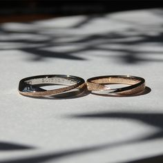 Are you currently trying to find inexpensive wedding bands? At EFES you will find wedding rings from Nuremberg. All wedding rings can be found online. Stackable Diamond Rings, Unique Diamond Rings, Diamond Wedding Rings, Unique Rings, Couple Ring Design, Tiffany Wedding Rings, Matching Wedding Bands, Couple Rings, Yokohama