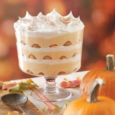 Need trifle recipes? Get great tasting desserts with trifle recipes. Taste of Home has lots of delicious recipes for trifles including chocolate trifles, strawberry trifles, and more trifle recipes and ideas. Pumpkin Recipes, Fall Recipes, Holiday Recipes, Holiday Foods, Trifle Dish, Trifle Recipe, Delicious Desserts, Dessert Recipes, Dessert Healthy