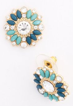 cute stud earrings  http://rstyle.me/n/vverepdpe