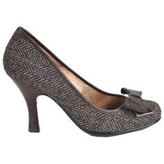 Sofft Women's Festival Shoes (Coffee Bean) Polish off your professional ensemble with the sophisticated Festival pumps from Sofft at $120.00  http://www.bboescape.com/products/buy/342/shoes/Sofft-Women-s-Festival-Shoes-Coffee-Bean-