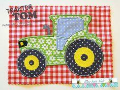 Traktor-Kuschelkissen - Tom (Nähanleitung und Schnittmuster, samt Plotterdatei und Stickdatei von shesmile) Applique Quilt Patterns, Sewing Patterns, Baby Sewing, Patches, Diy Crafts, Birthday, Ideas, Throw Pillows, Fabric Books
