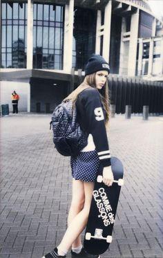 skateboarding is not a fashion Skateboard Fashion, Skateboard Girl, Fashion Photo, Girl Fashion, Style Fashion, Grunge, Skate Girl, Skater Girl Outfits, Skate Style