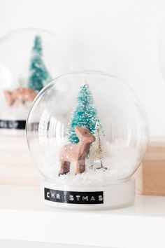 DIY Christmas Snow Globes
