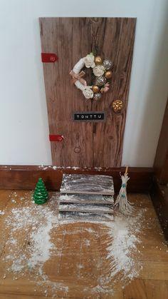 Elfs door made by wood and dcfix vinyl foils