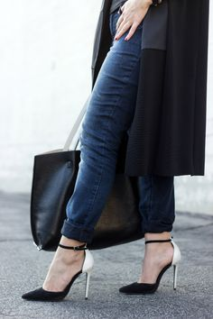 Black, white and denim jeggings via @maurices. Check out the new style post! #ootd #maurices #sponsored