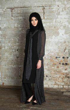 Modest way of wearing hijab with kimono Abaya Fashion, Kimono Fashion, Modest Fashion, Muslim Women Fashion, Islamic Fashion, Modest Wear, Modest Outfits, Ideas Hijab, Modele Hijab
