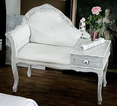 SHABBY-CHIC-CHAISELONGUE-STUHL-WEIss-HOLZ-REGAL-SESSEL-VINTAGE-BAROCK-ANTIK-LOOK Shabby Chic Chalk Paint, Gossip Bench, Telephone Table, Table Seating, Chalk Paint Furniture, Rum, Living Room, Interior Design, Chair