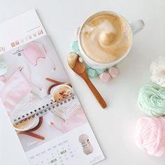 So proud to be June in @rosarios_4 2017 #calendar! Chin chin to a year plenty with #wool and #coffee ☕️☕️☕️☕️☕️☕️☕️☕️ Super contenta de ser Junio en el #calendario de 2017 de @rosarios_4 ! Un brindis a un año lleno de #cafetitos y #lanas con vosotros! . . .Ear phones @sudiosweden (use : sofiaparapluie for 15% discount)  #rosarios4 #knitting #woolyarn #sudiomoments @sudiosweden #vasabla #tricot #malha #knittersofinstagram #flatlays #flatlay #pastel #pasteldaily