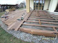 Anleitung zum Bau einer Holzterrasse. Die Feiertage im Frühling eigenen sich perfekt für ein solches Projekt!