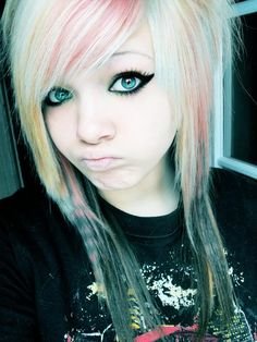 Scene emo hair girl which is so cute so dont look like a duck!!!