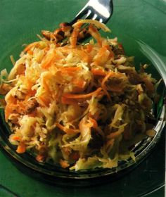 cabbage carrot salad by Mybestgermanrecipes.com - not only for the Oktoberfest