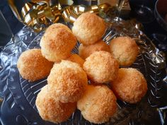 Cocinando con Lola García: Coquitos Sin Gluten, Coconut, Cookies, Ethnic Recipes, Blog, Pineapple Pie, Coconut Desserts, Homemade Recipe, Cooking Recipes
