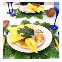 "A moda do ""abacaxismo"" que eu Amo! #semanamesahits_tropicalvintage #pineapple #lardocemesa #mesahits #lardocecasa"