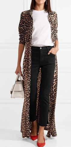beautiful outfit with a leopard cardigan : bag + red heels + white tee + black skinnies Leopard Print Outfits, Animal Print Outfits, Animal Print Fashion, Animal Prints, Leopard Cardigan Outfit, Animal Print Style, Animal Print Clothes, Cheetah Coat, Leopard Clothes