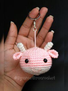 Crochet Dolls, Knit Crochet, Hello Kitty Crochet, Crochet Keychain Pattern, Doll Toys, Crochet Earrings, Diy Crafts, Wool, Christmas Ornaments