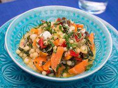Libanesischer Couscous mit Gemüse, Datteln und Feta | Chili und Ciabatta