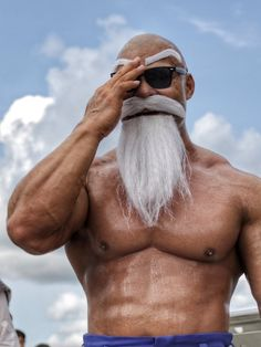 We often come across the cosplays of the DB series characters. Popular Bodybuilder Taichi Shimizu was spotted cosplaying as Master Roshi in his Max Power form. Hinata Hyuga, Itachi Uchiha, Overwatch, Dbz, Winged Serpent, Cosplay, Deviantart, Weight Lifting, Captain Hat