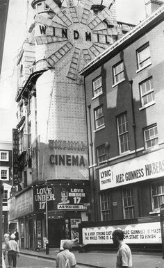 Great Windmill Street, Soho, London, 1973 I remember going to see Alec Guinness in the play at the Lyric with Patricia Hayes and Andrew Sachs Vintage London, Old London, London Photography, Street Photography, Landscape Photography, Photography Ideas, Alec Guinness, K Om, Cinema