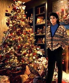 Michael Jackson relaxing at Christmas