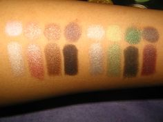 Wet N' Wild Comfort Zone - 8 Shadow Palette all MAC dupes