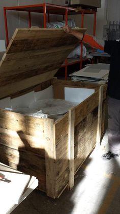 [ #makingof NYC loft ] Ready for shipping to NYC, from Italian Artisans! - Cosa c'è in queste casse pronte al viaggio verso New York?  Lo scoprite qui: http://www.pinterest.com/designapart/design-apart-techlab/