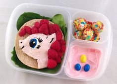 Impressive food art to his daughter by Lunchbox Dad | Incredible Snaps
