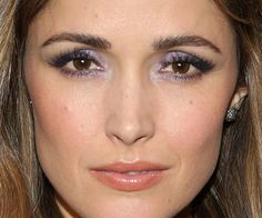 Rose Byrne Found a Grown-Up Way To Wear Sparkly Eyeshadow - Beautyeditor