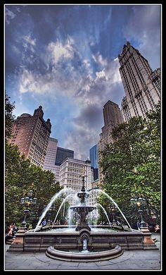 NYC. Manhattan. City Hall Park Fountain