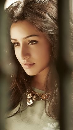 Shraddha Kapoor Images Photo Pics for Mobile Beautiful Bollywood Actress, Beautiful Indian Actress, Beautiful Actresses, Bollywood Girls, Bollywood Celebrities, India Beauty, Asian Beauty, Shraddha Kapoor Cute, Sraddha Kapoor