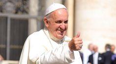 """El Papa Francisco a los jóvenes: """"¿Quieren hacerme feliz? ¡Lean la Biblia!""""."""