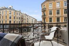 (12) FINN – FROGNER - Klassisk 4-r hjørneleilighet med 2 balkonger, peis, rosett og stukkatur. Meget attraktiv beliggenhet!