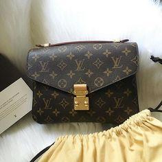 Lv Handbags, Replica Handbags, Louis Vuitton Handbags, Louis Vuitton Monogram, My Love, Lady, Womens Fashion, Fashion Tips, Stuff To Buy