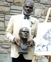 Alan Page - Class of 1988 Minnesota Vikings Football, Raiders Football, Notre Dame Football, Football Team, Pittsburgh Steelers, Touchdown Jesus, Fame Game, Go Irish, The Buckeye State
