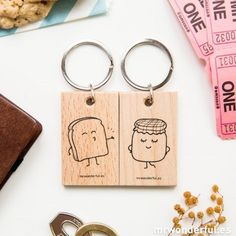 A set of 2 key-rings designed for lovebirds who are just moving into their love nest. Marmalade, that couple who are amazing on their own but unbeatable together. Completely artisanal wooden key-rings with black screen-prin Wood Burning Crafts, Wood Burning Art, Tostadas, Wood Laser Ideas, Ideas Aniversario, Wooden Key Holder, Wooden Keychain, Valentines Day Presents, Mr Wonderful