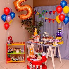 Festa hiper mega MONSTRUOSA muito carinho envolvido #festademenino #festamonstrinhos #monstros #festamonstruosa #festaspelobrasil #docesdecorados #confeitariaartistica Monster 1st Birthdays, Monster Birthday Parties, Monster Party, First Birthdays, 5th Birthday Girls, My Little Monster, Festa Party, Dessert Table, Party Themes