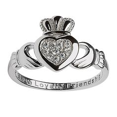 Pavé Claddagh Ring