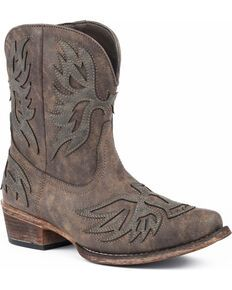 Roper Women's Brown Selah Booties - Round Toe - Country Outfitter Short Cowgirl Boots, Cowboy Boots Women, Short Boots, Western Boots, Western Style, Boots For Short Women, Roper Boots, Leather Loafers, Brown Boots