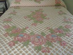 VINTAGE CHENILLE BEDSPREAD Extra Plush Rare White on Pink + Flowers