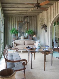 One Man's Folly: The Exceptional Houses of Furlow Gatewood: Julia Reed, Paul… Home Interior, Interior Design, Interior Modern, Interior Ideas, Outdoor Ceiling Fans, Modern Ceiling, Southern Homes, Beautiful Interiors, Elle Decor