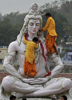 Statue of Lord Shiva Pictures at Hrishikesh - Uttarakand, India Yoga Studio Design, Lord Shiva, Religion, Buddha, Shiva Statue, Amazing India, India Culture, Indian Temple, Shiva Shakti