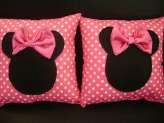 almofada minnie rosa  tamanho 30 x 30    pedido mínimo de 10 unidades