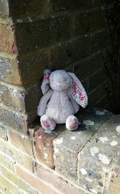A Lost a toy jellycat bunny was spotted in Lymington sat on wall in Eastern Rd by Waitrose. ‪#‎LostTeddy‬ ‪#‎lostbunny‬