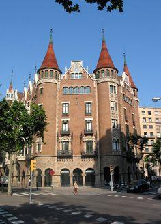 Barcelona see and do on pinterest barcelona gaudi and - Casa torres barcelona ...
