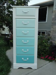 Annie Sloan Chalk Paint ombre dresser tutorial {colors and formulas included!}