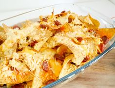 Nacho's… Als ik op een foodfestival ben haal ik eigenlijk altijd wel een bakje. Ik vind het gewoon echt heel lekker. De lekkerste die wij ooit aten was in Barcelona, maar helaas… daar komen wij nou ook niet zo vaak. Gelukkig kan je nacho's op heel veel verschillende manieren ook …