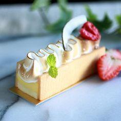 | Jun 27。Dessert。Lemon Cake | A great piece of lemon cake before my flight to Los Angeles!! See u all in US soon... Lemon Desserts, Mini Desserts, Just Desserts, Gourmet Desserts, Elegant Desserts, Delicious Desserts, Dessert Recipes, Spring Desserts, Dessert Ideas