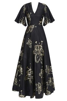 Black and gold foil lily print gown available only at Pernia's Pop Up Shop. Latest Designer Sarees, Indian Designer Outfits, Designer Dresses, Western Outfits For Women, Clothes For Women, Indian Dresses, Indian Outfits, Salwar Kameez, Stylish Dresses
